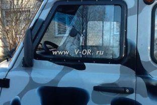 Раздвижное окно кабины буханки на заклепках.jpg