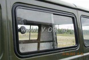 Раздвижное окно левой боковины салона УАЗ 452 Буханка (2).jpg