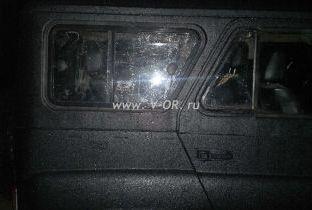 Окно с сдвижными стеклами в крышу УАЗ 3151.jpg